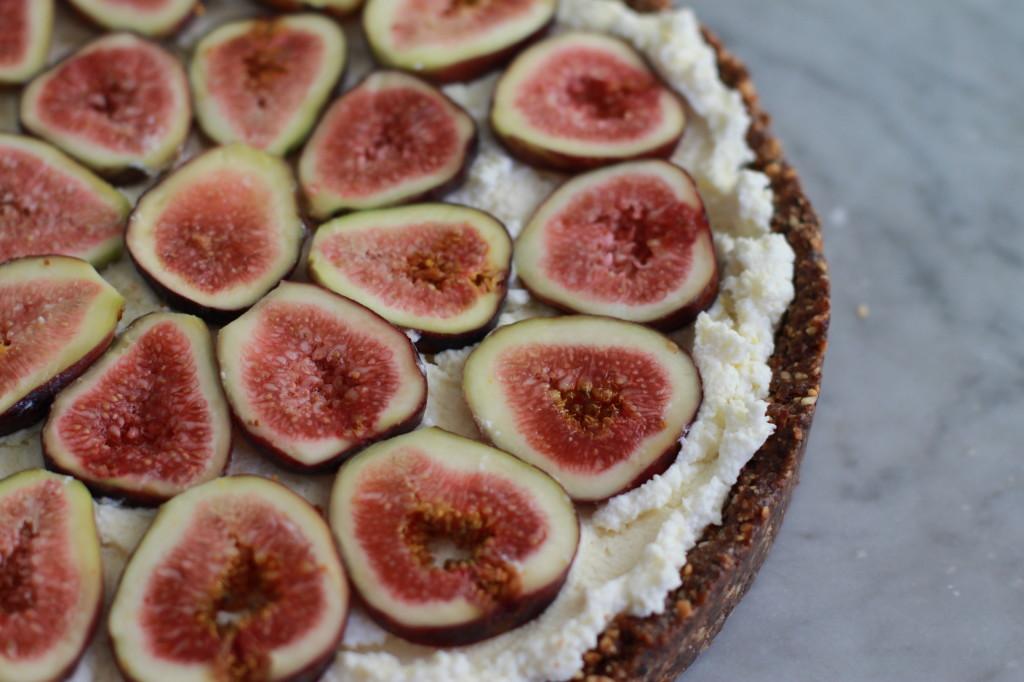 fig and almond tart www.girlontherange.com