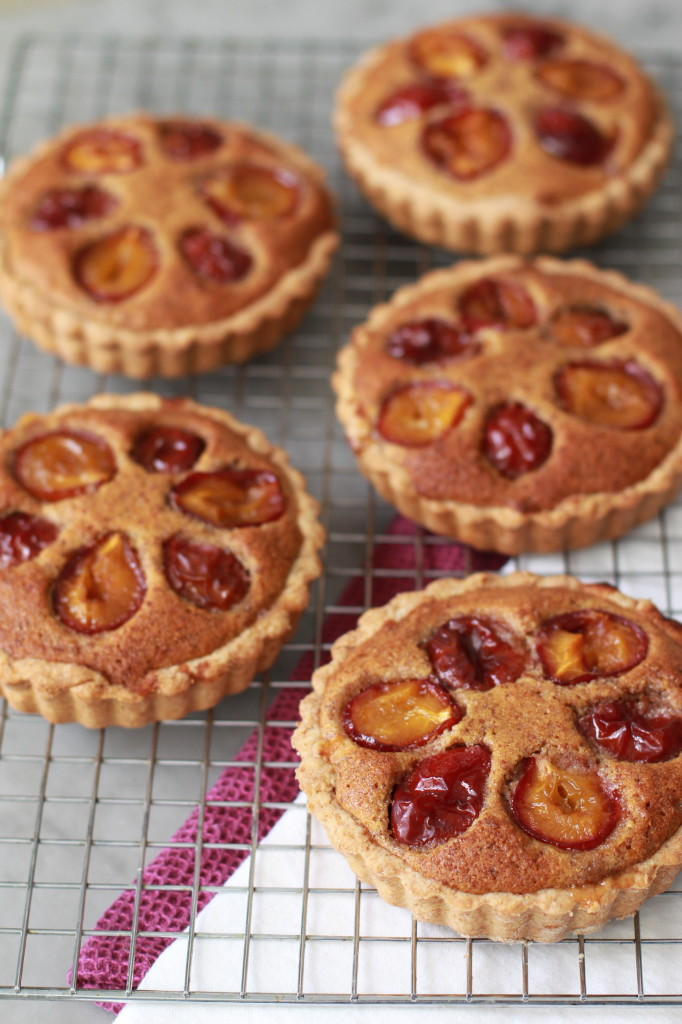 plum and frangipane tart www.girlontherange.com