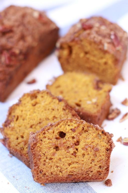 pumpkin bread with pecan streusel www.girlontherange.com