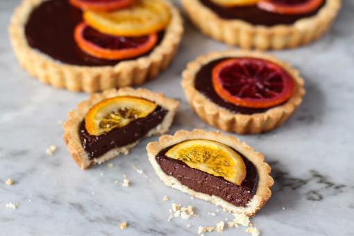 bittersweet chocolate tart with candied oranges www.girlontherange.com