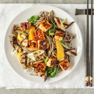 cold soba noodle salad with sweet chili tofu