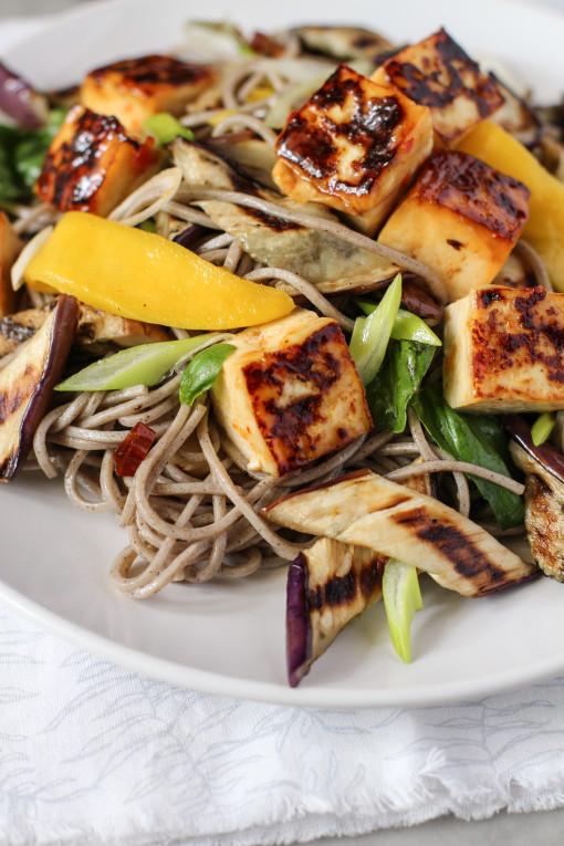 sweet tofu soba salad www.girlontherange.com