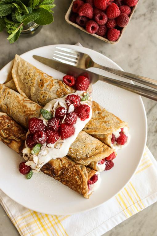 raspberry crepe plate www.girlontherange.com