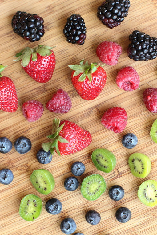 mixed berries  www.girlontherange.com