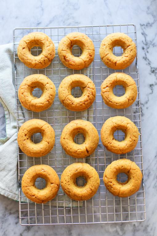 pumpkin donuts www.girlontherange.com