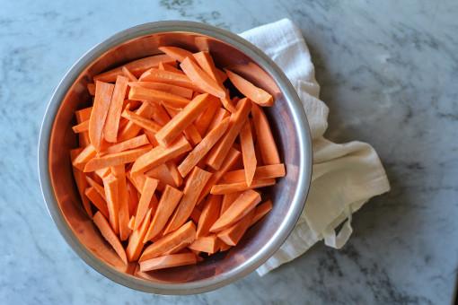 sweet potato fries bowl www.girlontherange.com