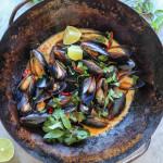 ginger garlic mussels with coconut curry sauce