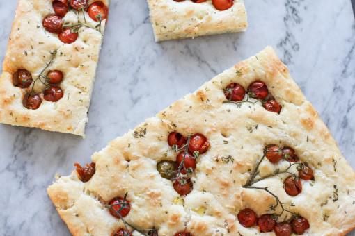 tomato focaccia bread www.girlontherange.com